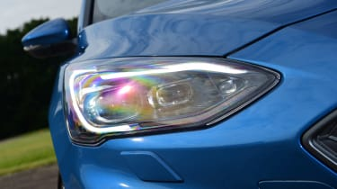 Ford Focus ST Estate headlights