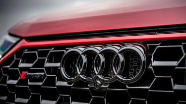 Audi RS Q3 grille