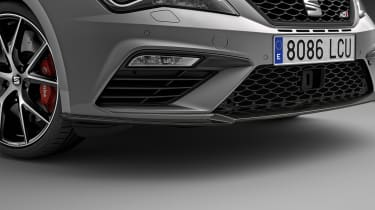 2018 SEAT Leon ST Cupra Carbon Edition splitter