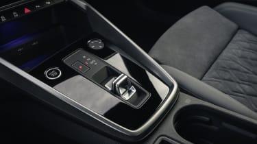 Audi A3 35 TFSI Sportback - gear lever and centre console
