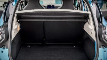 New Renault ZOE - boot with parcel shelf in place