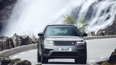 Range Rover Velar R-Dynamic head on