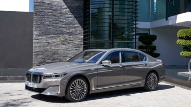 BMW 7 Series saloon front 3/4 static
