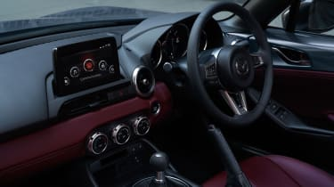 Mazda MX-5 R-Sport interior