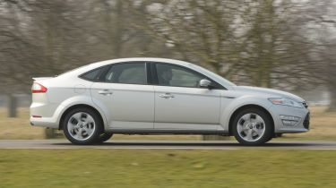 Ford Mondeo 2013 side