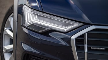 Audi A6 Allroad quattro estate headlights