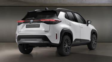 Toyota Yaris Cross Dynamic - rear 3/4 view