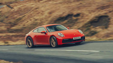 Porsche 911 coupe side tracking