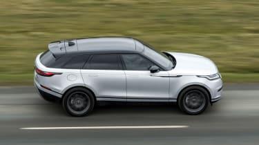 Range Rover Velar SUV side panning