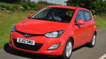 Hyundai i20 2012 front quarter tracking