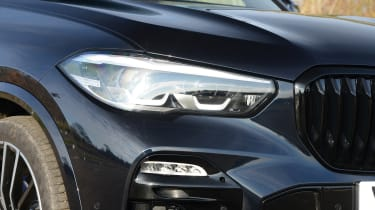 BMW X5 xDrive45e SUV headlights