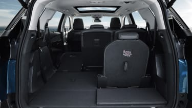 As with many cars of this type, the boot is small with 7 seats in place, but vast with 5 up