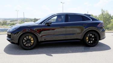 2019 Porsche Cayenne Coupe side