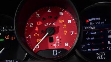Porsche Macan SUV tachometer