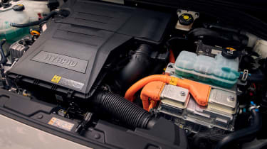 Hyundai Ioniq Hybrid engine bay