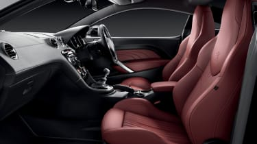 Peugeot RCZ Magnetic coupe 2013 interior