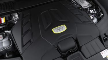 Porsche Cayenne Turbo S E-Hybrid - engine bay