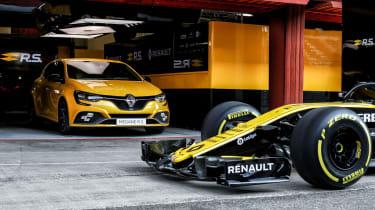 Renault Megane R.S. Trophy pits
