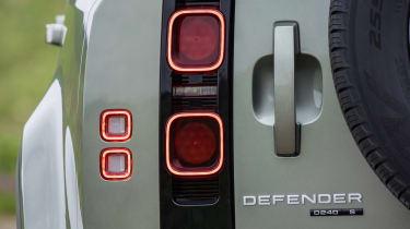 Land Rover Defender 110 - rear tail lights