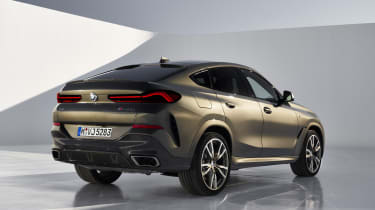 2019 BMW X6 - rear static studio low