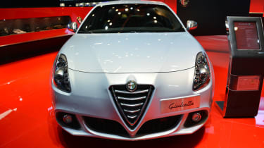 Alfa Romeo Giulietta 2014 head on