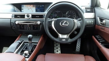 Lexus GS - interior and dashboard
