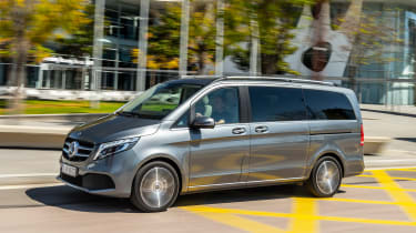 Mercedes V-Class MPV side action