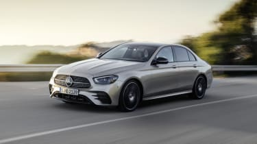 Mercedes E-Class - front passing dynamic