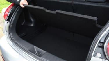 Nissan Juke Nismo RS boot 2