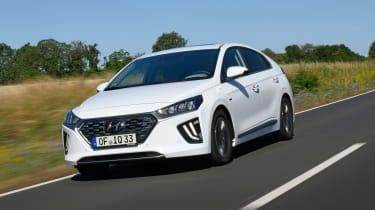 Hyundai Ioniq Plug-in Hybrid driving