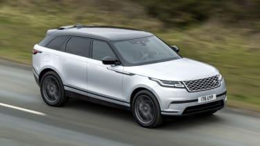 Range Rover Velar SUV front panning