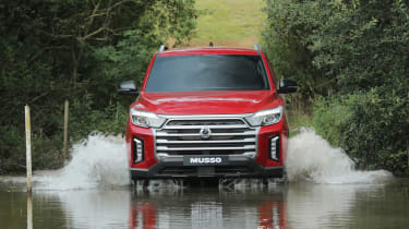 SsangYong Musso facelift driving through water