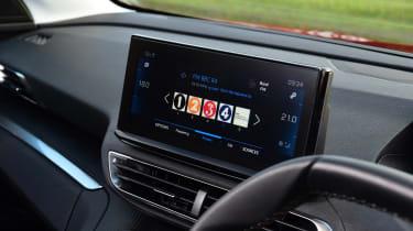 Peugeot 5008 SUV dashboard