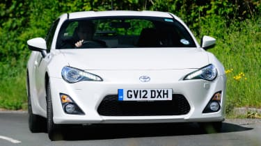 Toyota GT 86 2012 front cornering