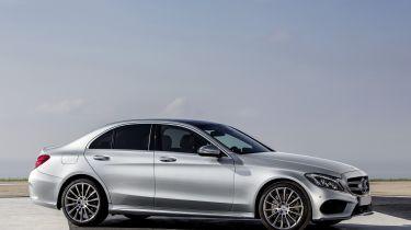 Mercedes-Benz C250, AMG Line, Avantgarde, Diamantsilber metallic, LederCranberryrot/Schwarz, Zierelemente Holz Esche schwarz offenporig,(W205),2013