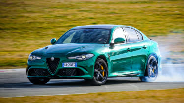 Alfa Romeo Giulia Quadrifoglio powersliding