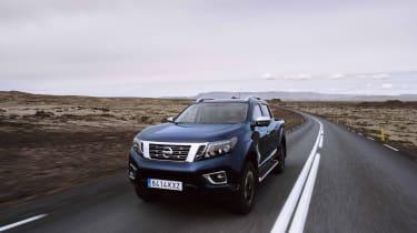 2019 Nissan Navara - front 3/4 dynamic road