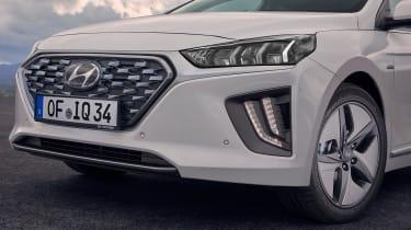 Hyundai Ioniq Hybrid nose