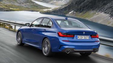 BMW 3 Series 2019 rear tracking