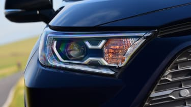 Toyota RAV4 Dynamic - headlight close up