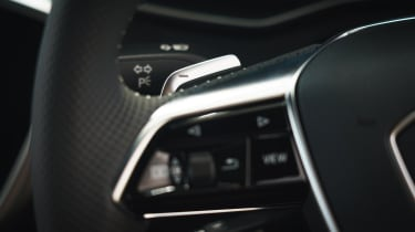 Audi A6 Avant steering wheel buttons
