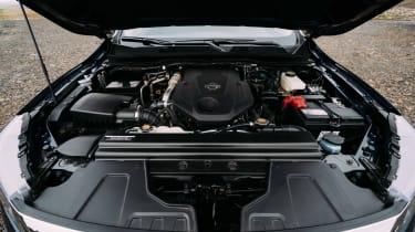 2019 Nissan Navara - engine bay