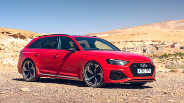 Audi RS4 Avant estate front 3/4 static