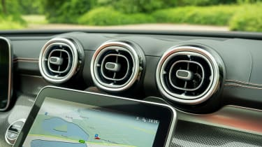 Mercedes C-Class saloon air vents