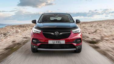 Vauxhall Grandland X Hybrid4 - front driving