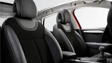 2015 Citroen C4 - front seats