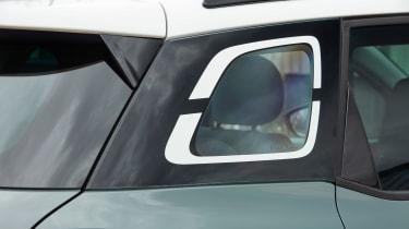 Citroen C3 Aircross SUV rear window