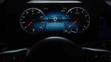 Mercedes CLA Shooting Brake digital dials