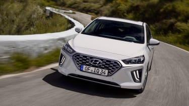 Hyundai Ioniq Hybrid front cornering