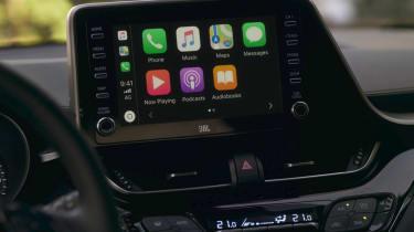 2020 Toyota CH-R Hybrid - infotainment